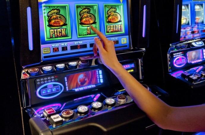 Игровые автоматы торент покер кости игра играть онлайн