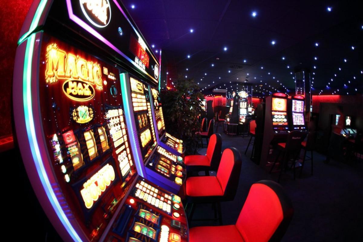 Игровые автоматы торент покер онлайн без людей
